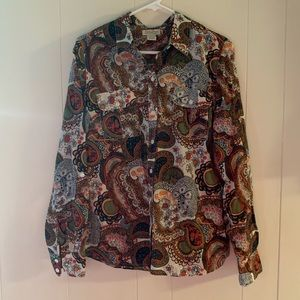 LUCKY button up top NWOT